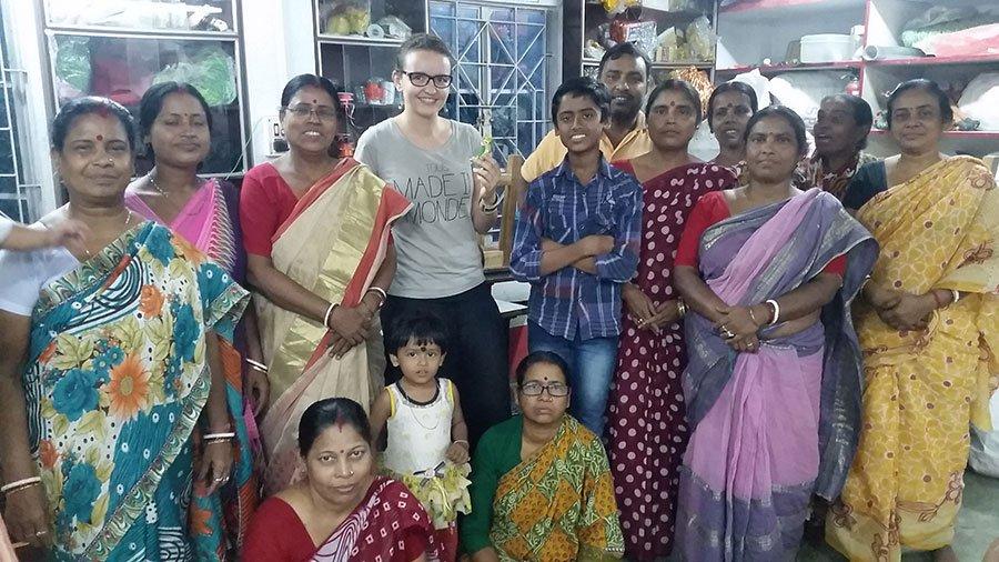 Delphine et les artisans d'Inde