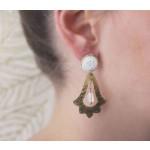 boucle oreille blanche